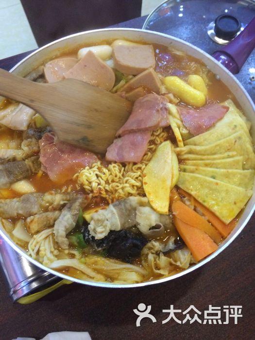 阿泽西韩国美食美食(南大街食尚地铁年糕店)-图苏州广场火锅图片